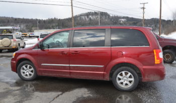 2012 Chrysler Town & Country Touring Minivan 4D full