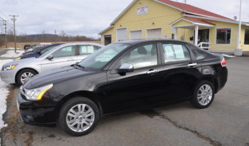 2010 Ford Focus SEL Sedan 4D full